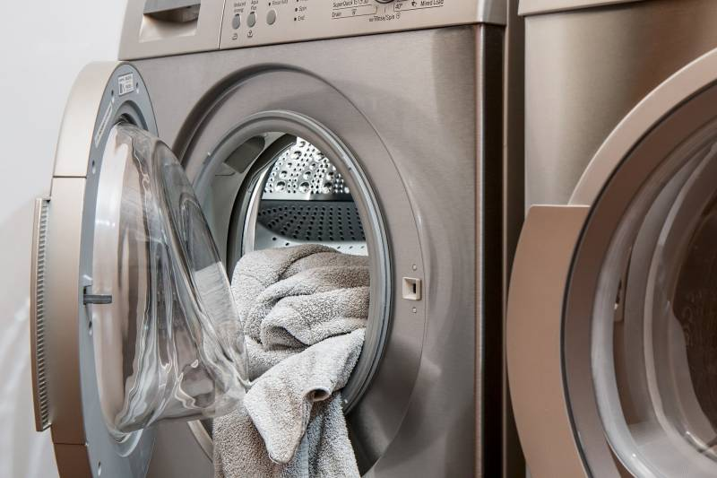 What happens if you wash clothes in cold water instead of warm water
