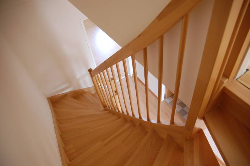 How To Install Quarter Round On Stairs