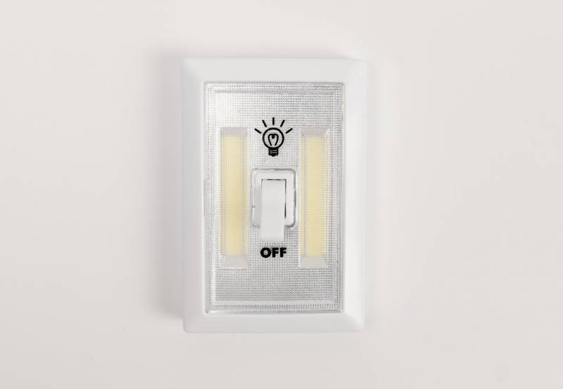 How To Fix A Light Switch That Won't Turn Off